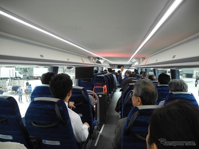 京成バス、バリアフリーに対応した2階建て新型バスを披露…2年間の検討を経て導入へ 6枚目の写真・画像