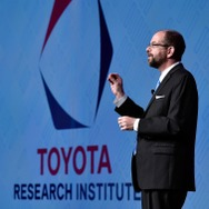 「TOYOTA RESEARCH INSTITUTE, INC.(TRI)」CEOのギル・プラット博士(CES16)