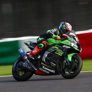 優勝したNo.10 Kawasaki Racing Team